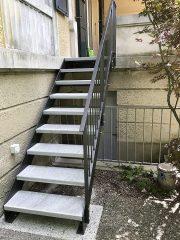 Treppe mit Steintritten 2